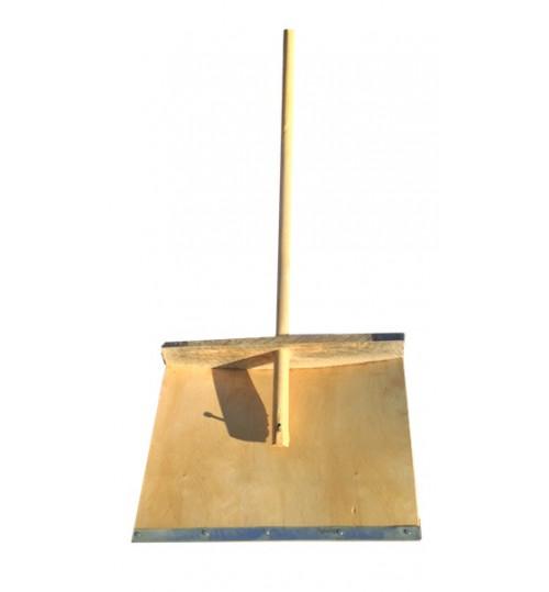 Лопата снегоуборочная 500х380 мм деревянная с черенком